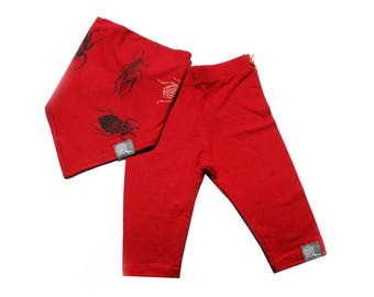 Red baby with its screen-printed scarab bib set: Leggings in rayon of bamboo