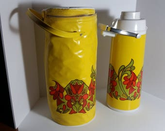 70's Beverage Air Pump With Matching Insulated Carrying Case