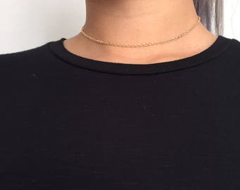 Simple dainty choker