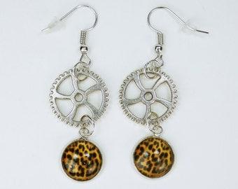 Earrings gears with Leopard pattern on Silver earrings earrings jewelry hanging earrings steampunk gear Africa cheetah print