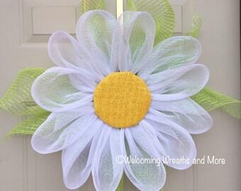 Daisy Wreath, White Flower Wreath, Spring Mesh Wreath, Daisy Wreath, Flower Wreath, Daisy Door Wreath, Mesh Flower Wreath, Mother's Day Gift