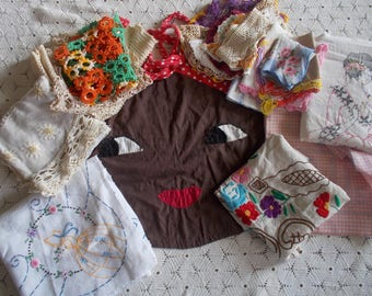 Bundle vintage embroidered linens 22 pc southern belle Victorian lace doilies aprons  destash