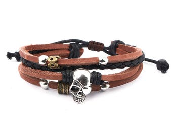 Skull Pendant Leather Bracelet // Skull Bracelet // Goth Bracelet // Leather Wrap Bracelet // Leather Multistrand Bracelet // Bracelet Skull