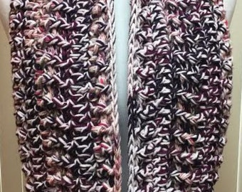 Pink Scarf, Crochet Scarf, Chunky Scarf, Infinity Scarf, Crocheted Scarf, Circle Scarf, Gifts for Her, Winter Scarf, Pink Knit Scarf