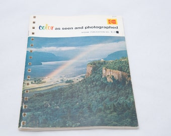 Vintage 1972 Kodak Color Film Guide Booklet 'Color as Seen and Photographed'
