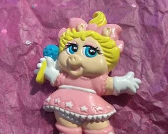 Miss Piggy Muppet Babies Avon Pin 1988 Vintage