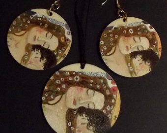 Wooden earrings and necklace hand painted. Wooden parure hand painted. Earring and necklace. The Maternity Gustave Klimt. Wearable art.