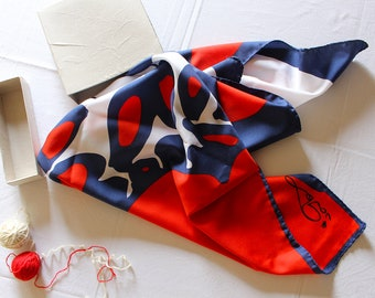 Vintage Scarf with blue and red decoration