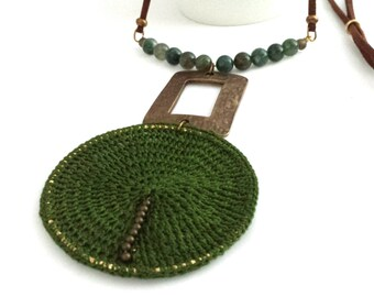 Green necklace for women, long necklace with pendant, long statement necklace, long necklace with pendants, boho long statement necklace