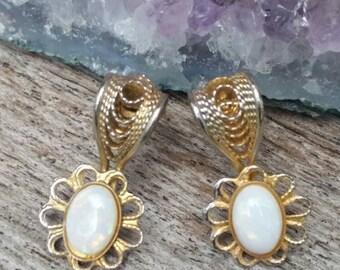 Vintage opal earrings. Genuine opal. October birthstone.  White opal earrings. Small opal earrings. Opal jewelry. Opal earrings.Filigree.