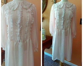 Vintage Gilligan & O'Malley Pink Nightgown Embroidered with lace Size Small