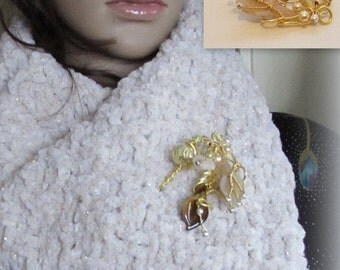 Hand-knitted scarf neck warmer and pin Golden Bouquet
