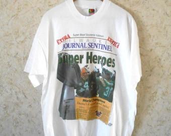 Vintage 1997 Green Bay Packers Rare Super Bowl White T Shirt Milwaukee Journal Newspaper Print NFL Brett Favre World Champions Mens Tee XL