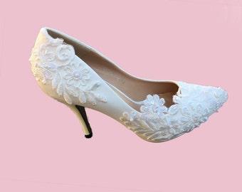 Venice Lace, Pearl Bridal high heels / Bridesmaid / Wedding Shoes / Bridal Shoes / Dress Shoes / White wedding shoes