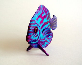 discus fish sculpture