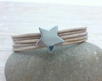 Leather bracelet with star-slider