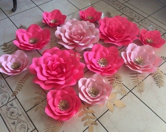 Set of 12 paper flowers