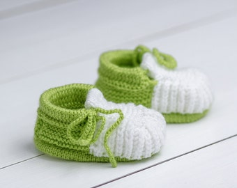 Green baby booties Knitted baby booties Crochet baby booties Baby girl booties Baby boy booties Baby shower Shower gift Hand knit booties