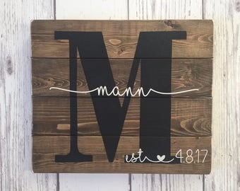 Last Name Sign, Wood Sign, Established Sign, Family Name Sign, Custom Wedding Gift, Anniversary Gift, Housewarming Gift, Wedding Sign Wood