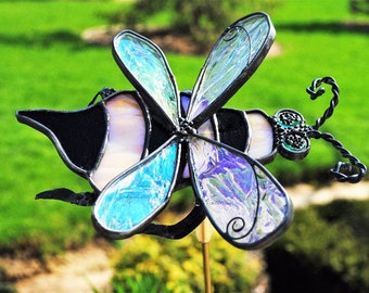 Stained Glass Bumble Bee Jiggle Garden Stake. Garden Planter decoration. Garden ornament. Bee mounted on jiggle spring on brass stake.