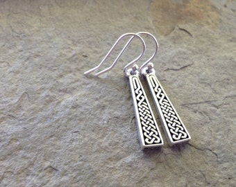 Celtic Knot triangle earrings / Silver Celtic earrings / Irish earrings