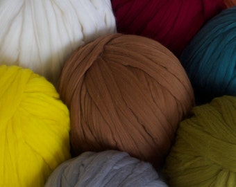 Merino Wool Yarn, Chunky knit, Wool Roving, 100% Merino Wool, Bulky Yarn, DIY, Chunky Blanket, Unspun wool, chunky yarn, Ball of Wool
