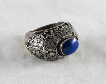 Old Yemenite lapis silver ring