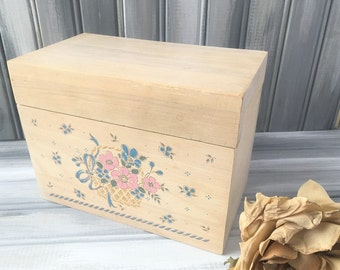 Light Wood Recipe Box / Wood Box / Retro Wood Recipe Box / Vintage Recipe Box / Rustic Recipe Box / Wood Kitchen Box / Flower Kitchen