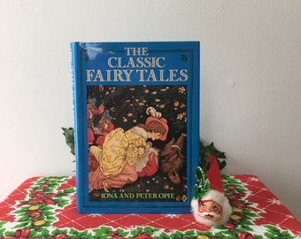 Vintage Fairy Tale Classics Book