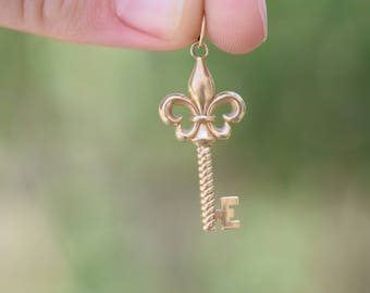 Vintage Key 14 Karat Yellow Gold Pendant, Used Retro Charm