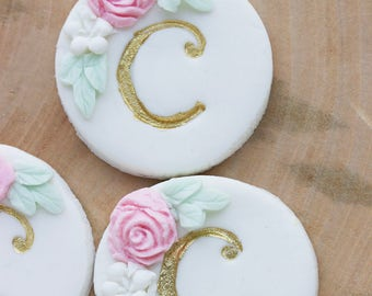 Monogrammed Personalized Cupcake Toppers, Edible Cupcake Decoration, Fondant Cupcake Topper, Wedding Cupcakes, Baby Shower Decor