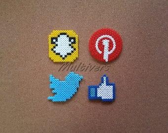 Logo social Facebook Twitter Snapchat Pinterest Magnet networks social networking [Pixel Art Hama beads]