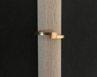 Ring minimalist gold yellow gold / / graphic and contemporary line