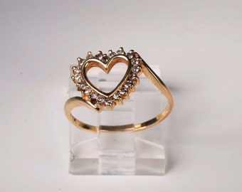 10K Yellow Gold app. 1/4 ct. tw. Heart Shaped Diamond Ring, 1.7 grams, size 6.5