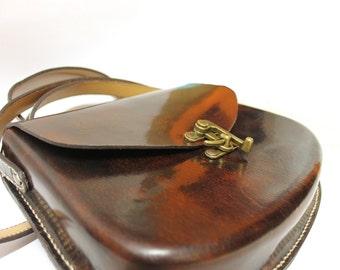 Molded bag in full grain leather
