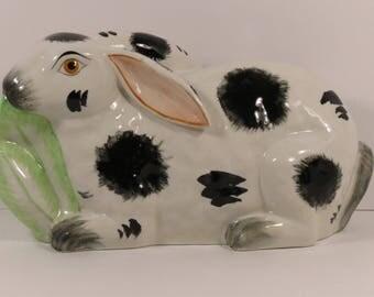 Italian Mottahedah Ceramic Spotted Bunny Rabbit Nibbling Lettuce.