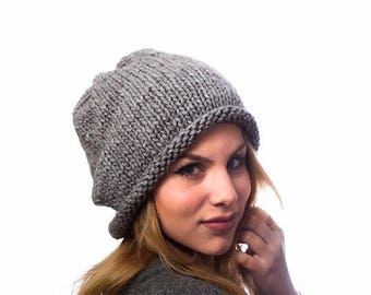 Slouchy hat / Slouchy beanie /Gray chunky hand knit hat / wool hat / winter accessory / gray slouchy hat