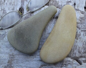 2 large beach stones 4.8''[12cm]. Natural sea stones. Beach decor. Beach pebbles for various crafts.