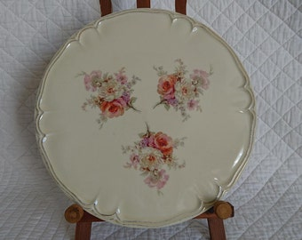 Cake/pastry/pie hand made porcelain dish. Dream-Decor - FRANCE. The 1950s.