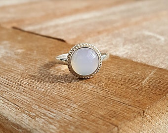 925 solid silver ring with Chabochon chalcedony ring size EU 50 / US size 5