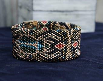 Beaded crochet rope wide bracelet•Wide bracelet•Egypt print bracelet•Gold and black colors bracelet•Chunky bracelet•Beadwork bracelet•