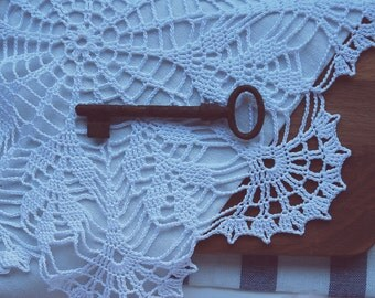 Vintage rustic skeleton key, antique skeleton key