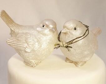Love bird wedding cake topper, bird wedding cake topper, animal wedding cake topper, handmade wedding cake topper, grapevine wreath topper