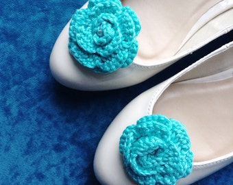 Wedding shoe clips, something blue, turquoise shoe clips, flower shoe decoration, bridal shoe clips, crochet shoe clips