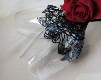 Wedding in black, hand painted wine glasses, black roses, gothic wedding, wedding gift, anniversary, Christmas gift, gift couple, set of 2