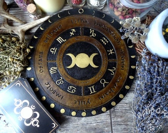 Wheel of the Year, Triple Moon Gold and Moon circle