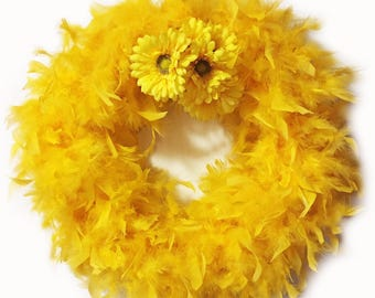 Daisies Yellow Feather Wreath