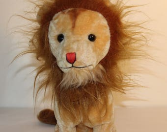 Vintage Dakin Lion Plush Stuffed Animal With Mane
