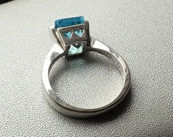 Blue Topaz 10K White Gold Heart Ring