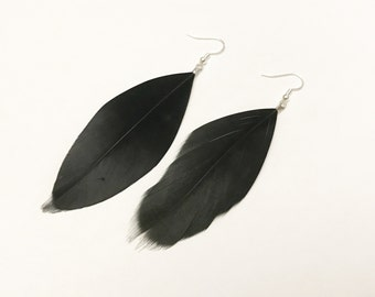 Earrings silver with black feathers
